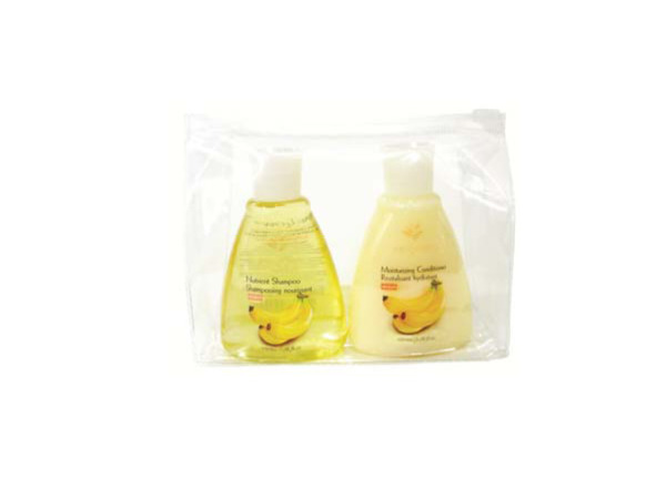 Moisturizing shampoo and conditioner travel pack in case