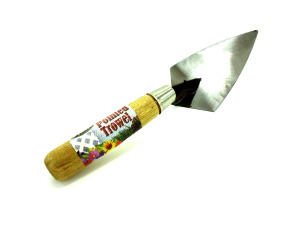 Pointed garden trowel