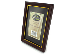 "4"" x 6"" Wood tone photo frame"